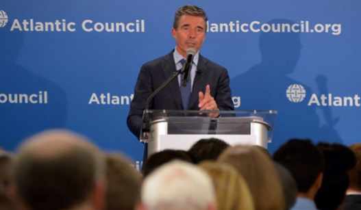 Anders Fogh Rasmussen delivers a speech at the Atlantic Council of the United States in Washington.